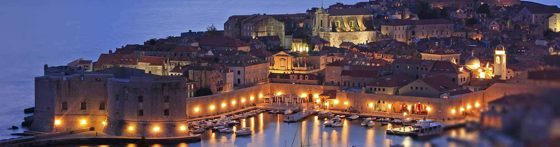 Dubrovnik Old Town at Night.jpg