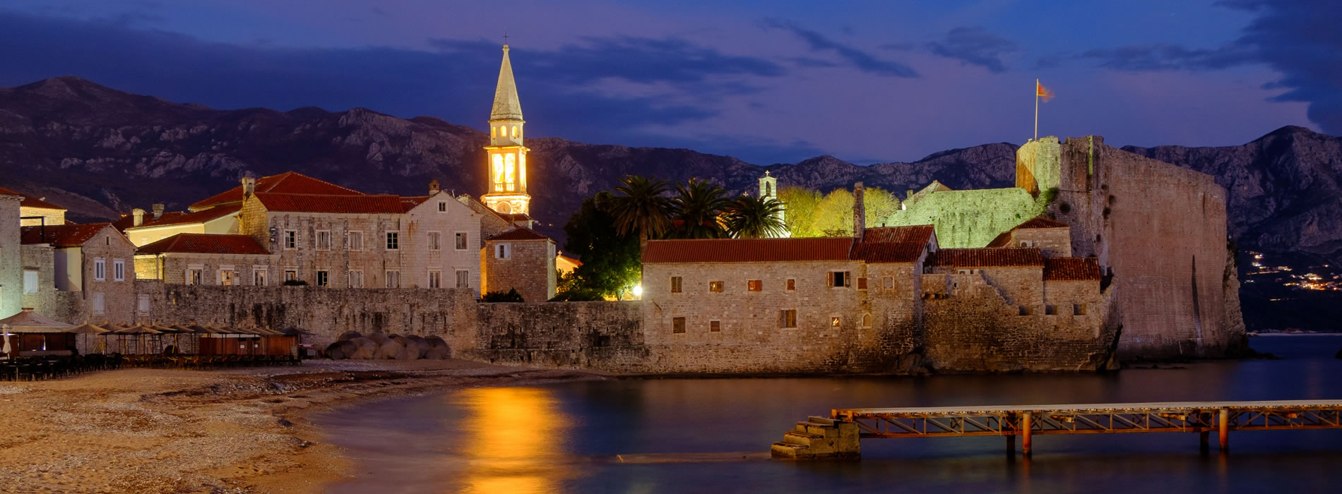 Budva_at_night.jpg