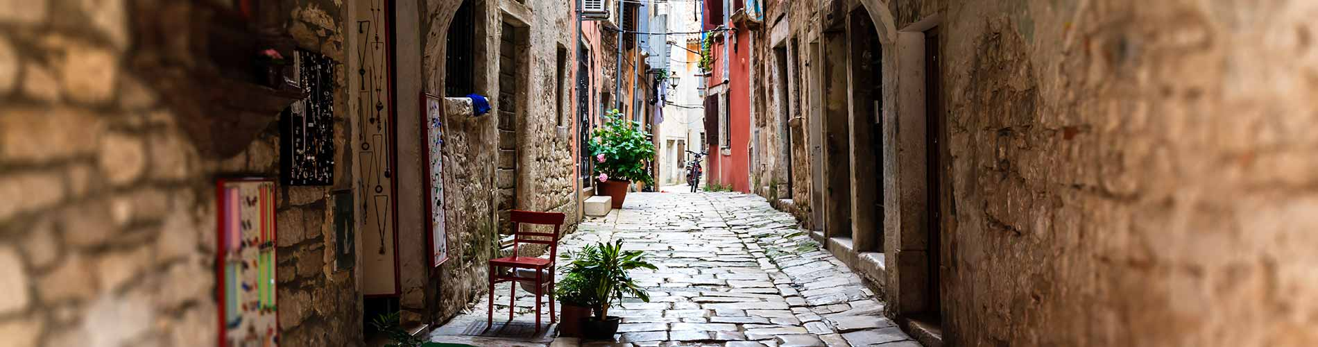 Narrow Archway in the City of Rovinj, Croatia.jpg